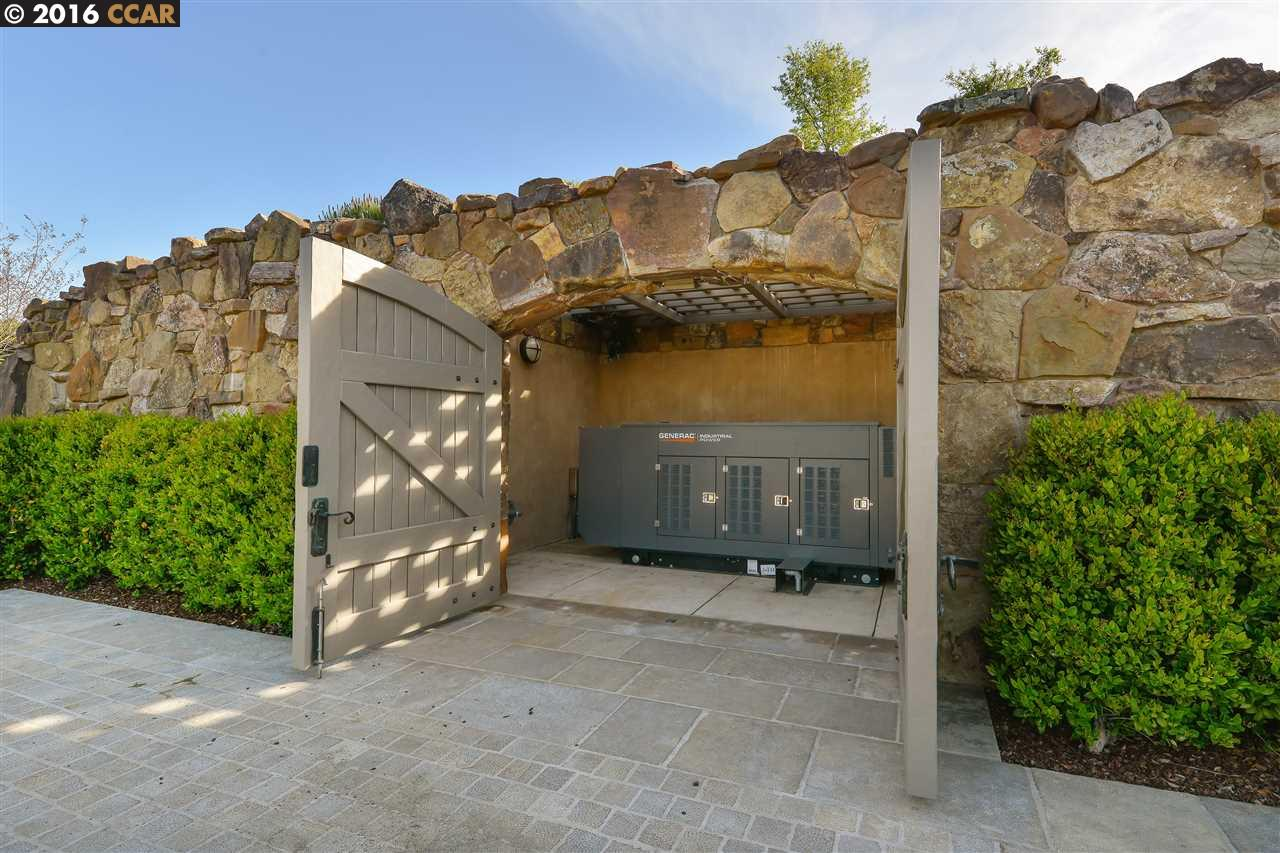 Additional photo for property listing at Fieldhaven 7 Country Oak Lane Alamo, Californie,94507 États-Unis