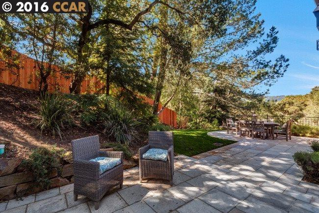 Additional photo for property listing at 2 Berrybrook Hollow  Orinda, Californië,94563 Verenigde Staten