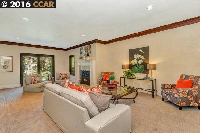Additional photo for property listing at 2 Berrybrook Hollow  Orinda, California,94563 Estados Unidos