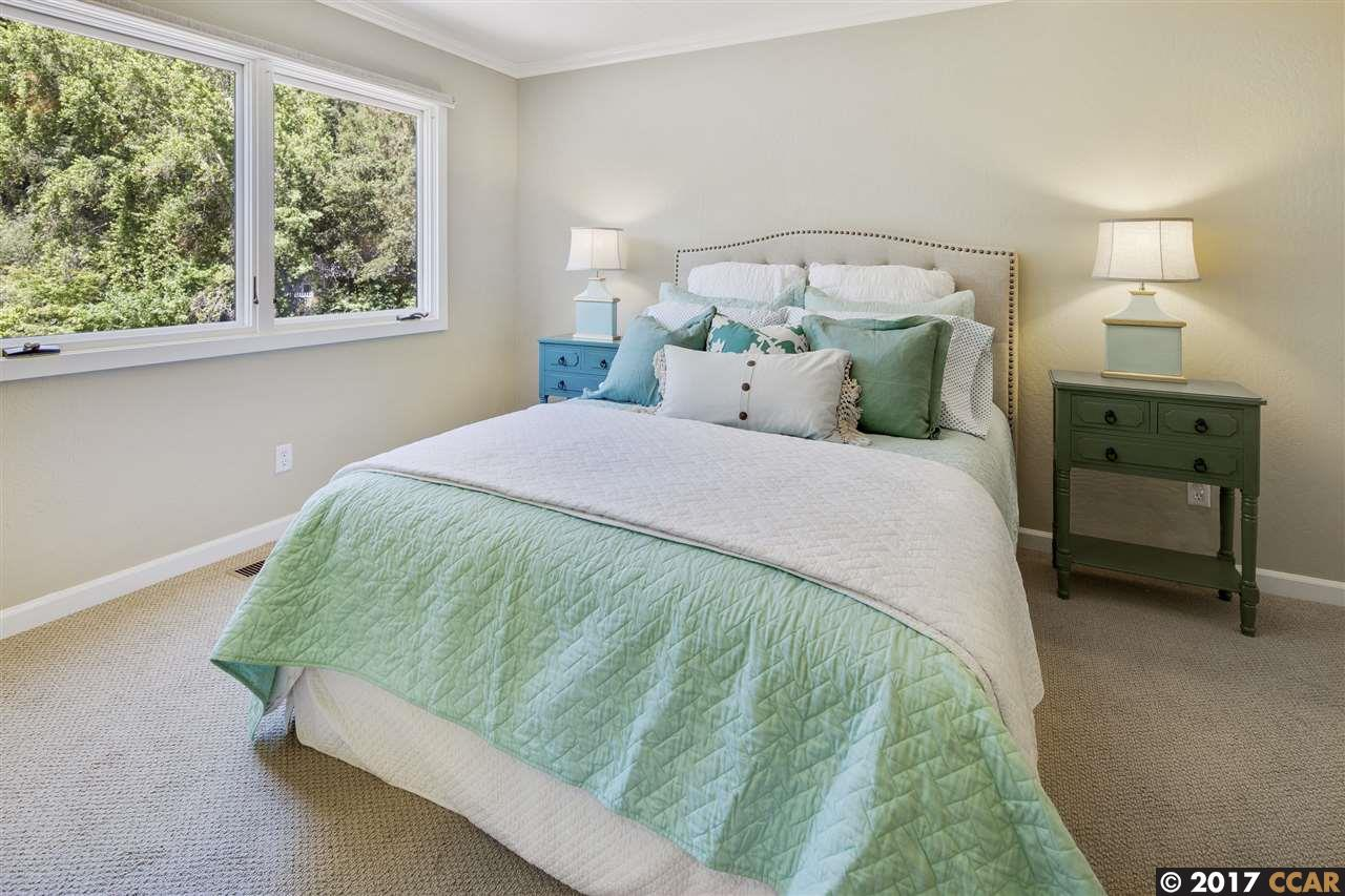Additional photo for property listing at 4 De Soto Ct  Orinda, Californië,94563 Verenigde Staten