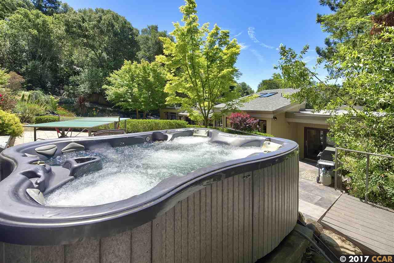 Additional photo for property listing at 4 De Soto Ct  Orinda, 캘리포니아,94563 미국